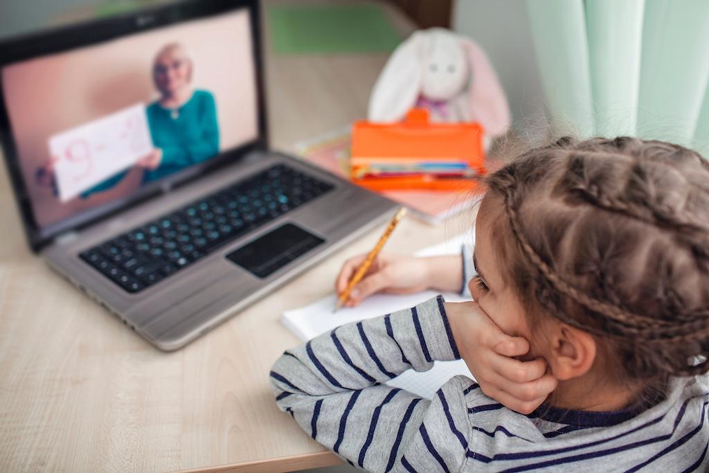 授業支援システム「schoolTakt」の紹介動画制作(実写・アニメーション)